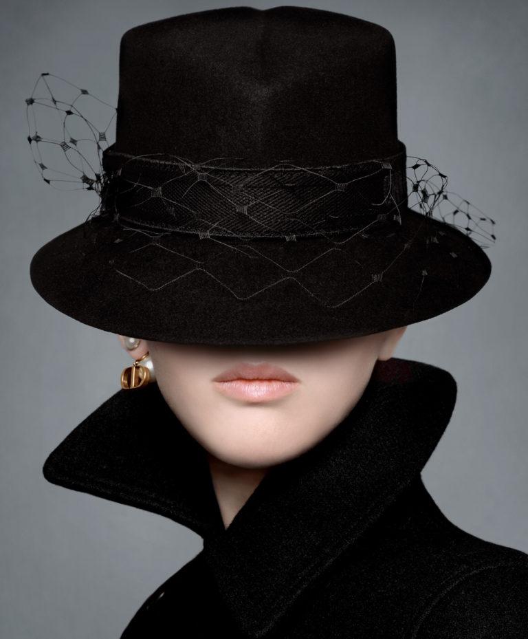 Somethingdongxi Jennifer Lawrence in minimalist Dior pre-fall adv
